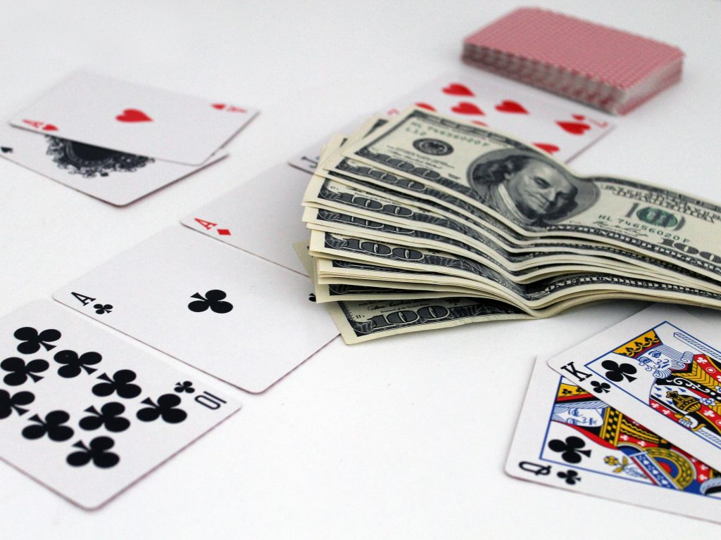 Playing Baccarat And Its Basic Strategy Tips
